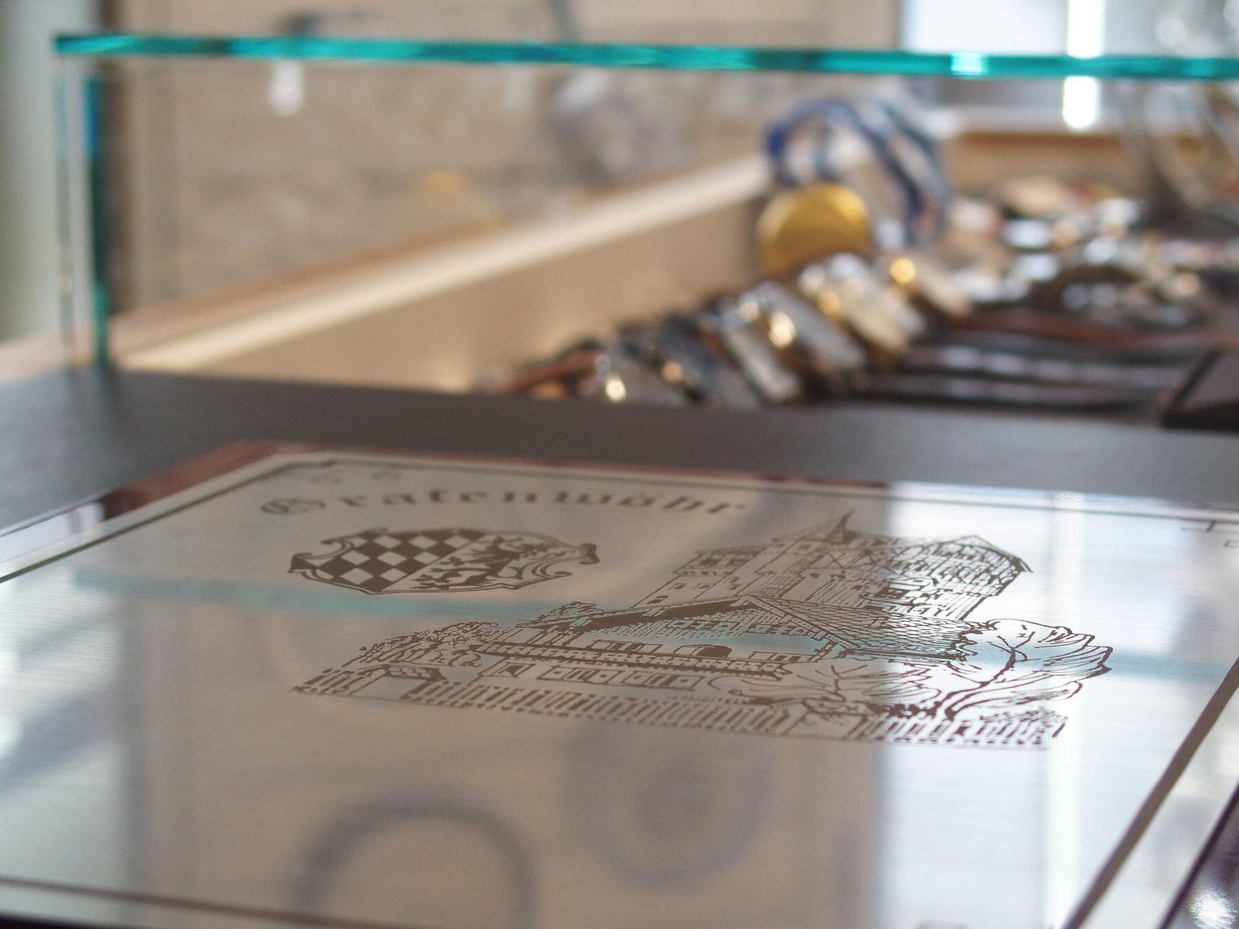 Lasergravur bei Uhren Schmuck Schreml